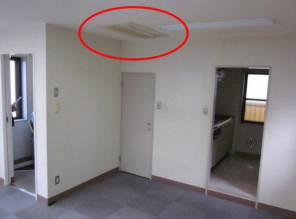 天井カセットエアコン発見。