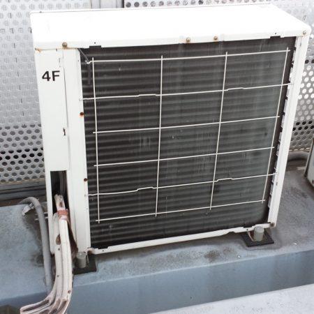 屋上エアコン