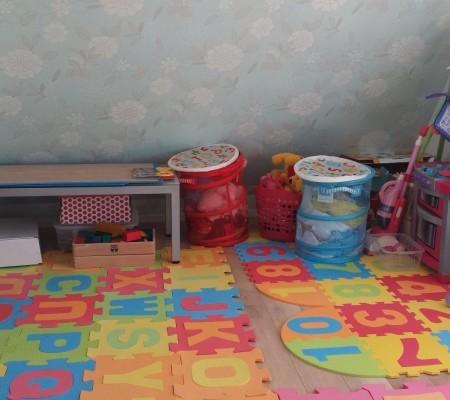 4階/子供部屋(10帖)、斜線規制斜め壁への造作クローゼット