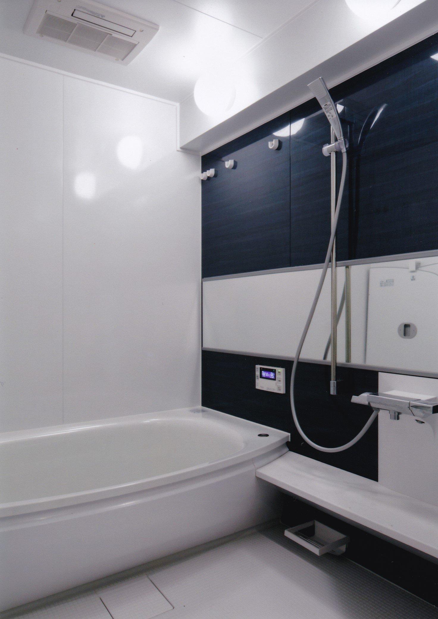 お風呂。1620(1.25坪)サイズ。TOTO製サザナ HDシリーズ Tタイプを採用しました。ほっカラリ床、エアインシャワー、魔法びん浴槽を採用。