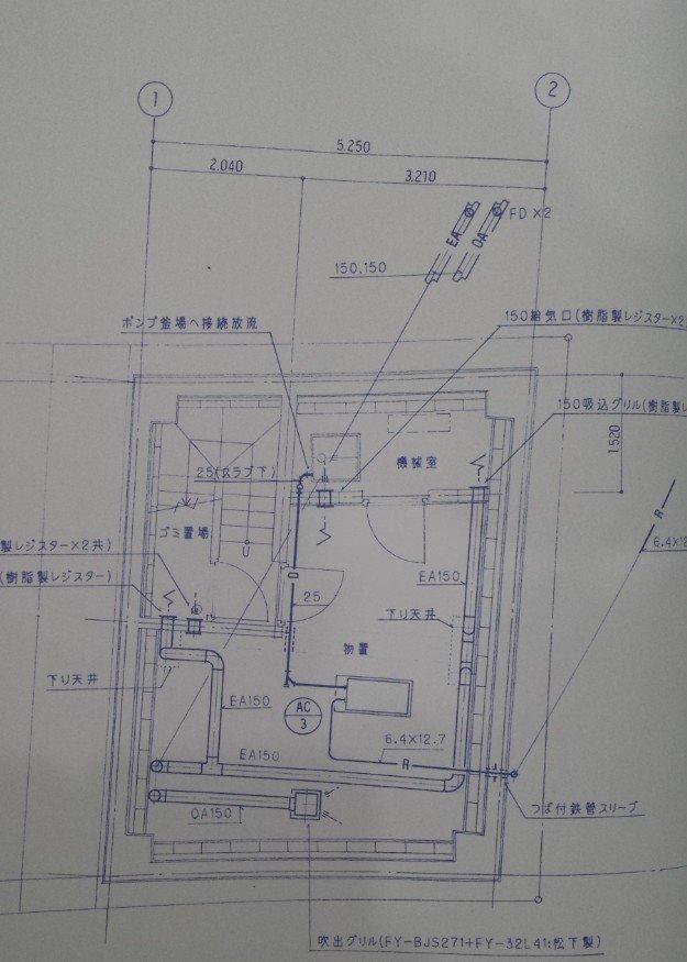 地下室の空調ダクト図面。相変わらずの、RC(鉄筋コンクリート造)であることが分かる菱形の建物です。現時点では特に意味はありません。。