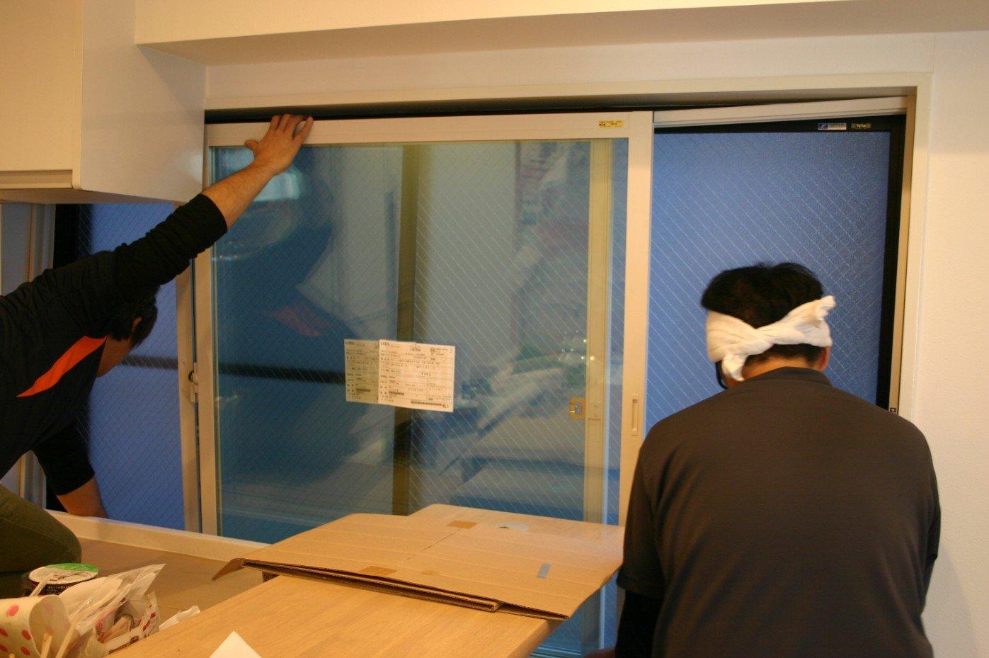 二重内窓 インナーサッシ インプラスの2階キッチン横取付作業