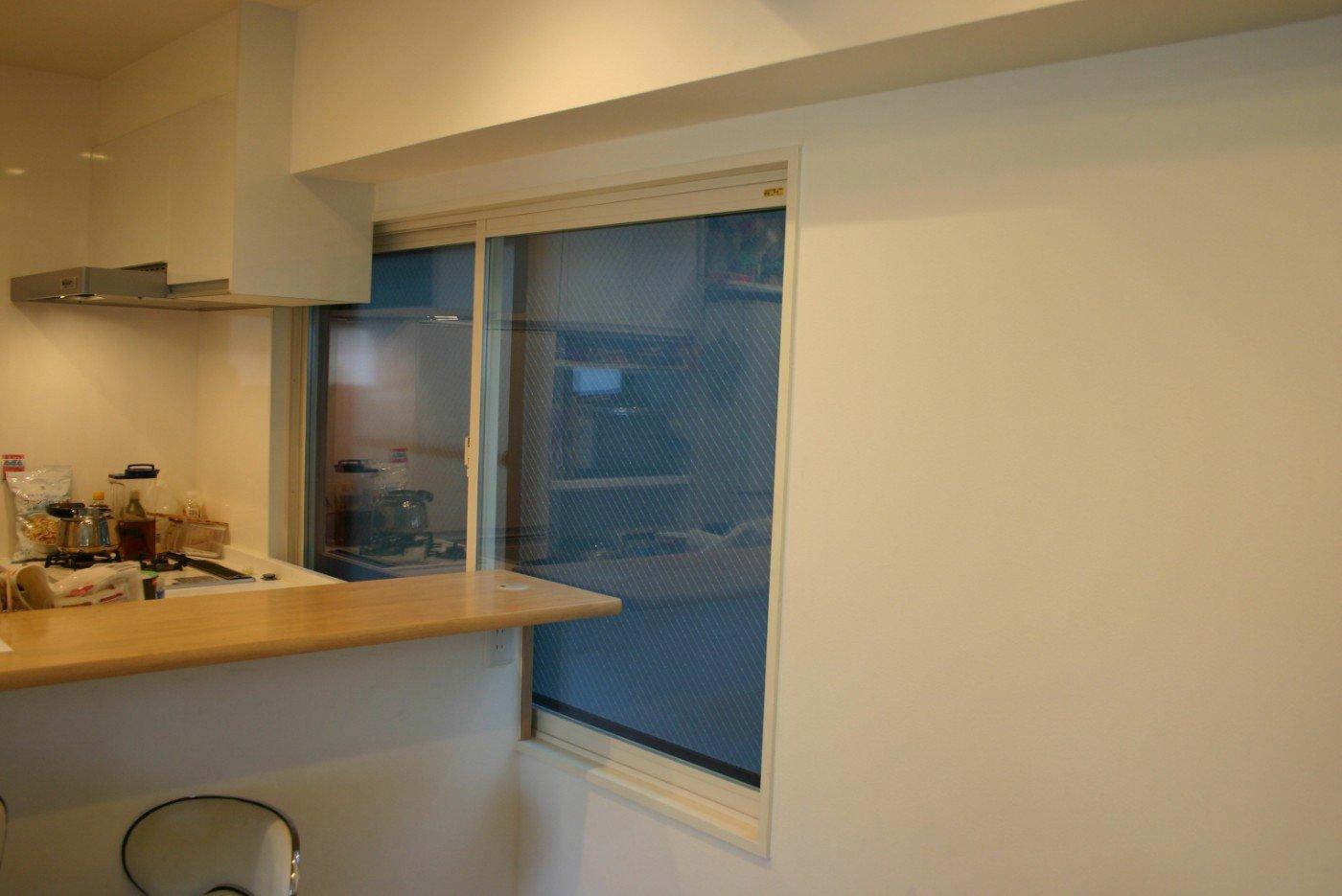 インプラス(内窓。TOTO製) 導入工事完成後の写真
