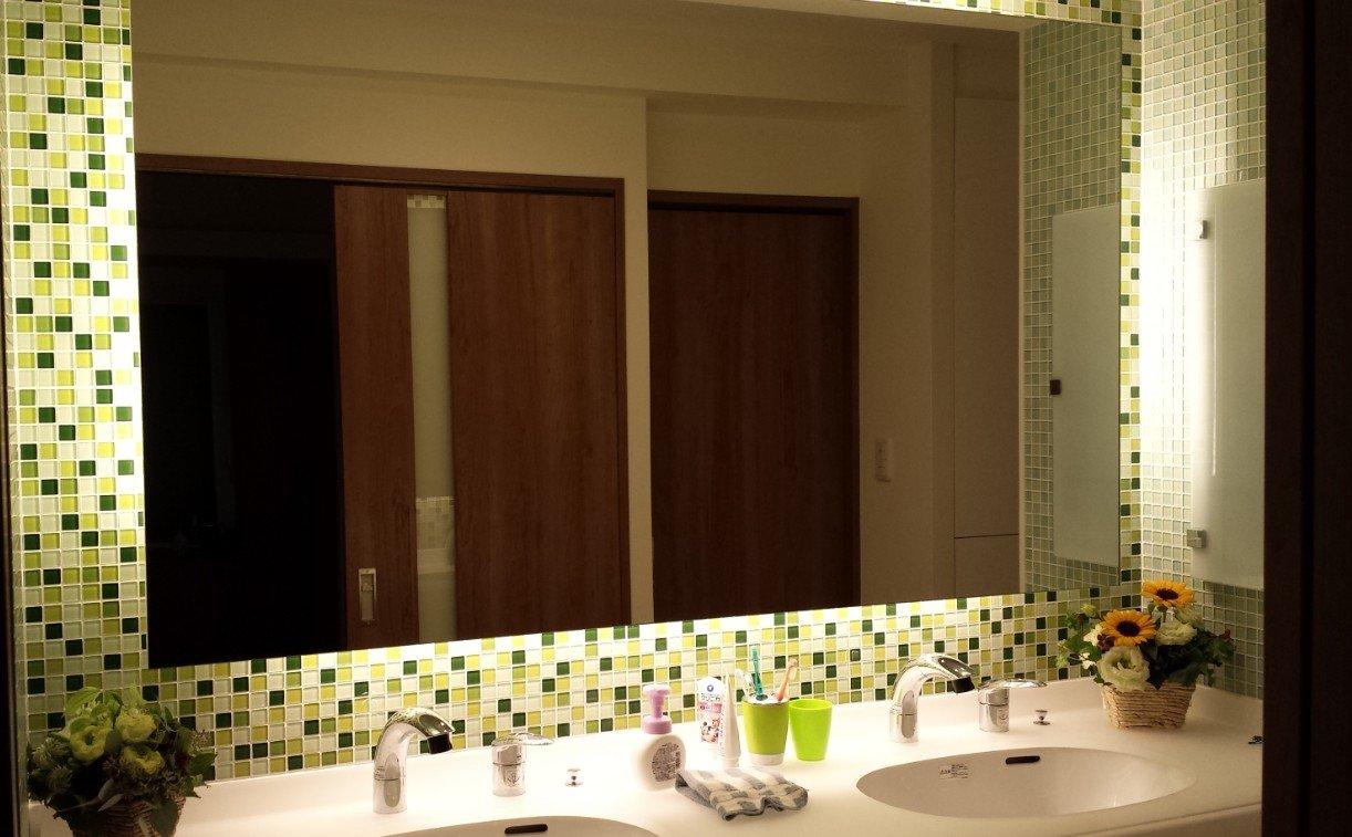 モザイクタイル、ガラスタイルのダブルボール洗面所(名古屋モザイク)の施工例