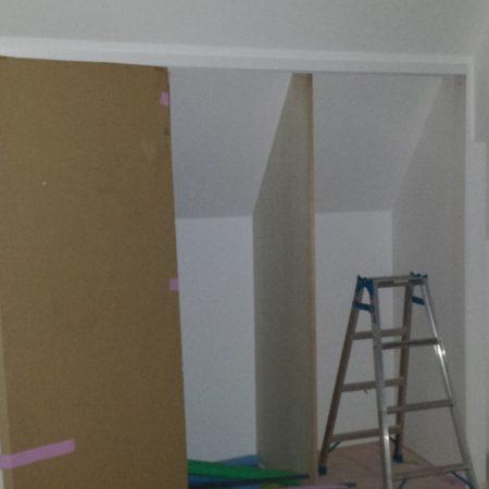 斜線規制壁への造作クローゼット