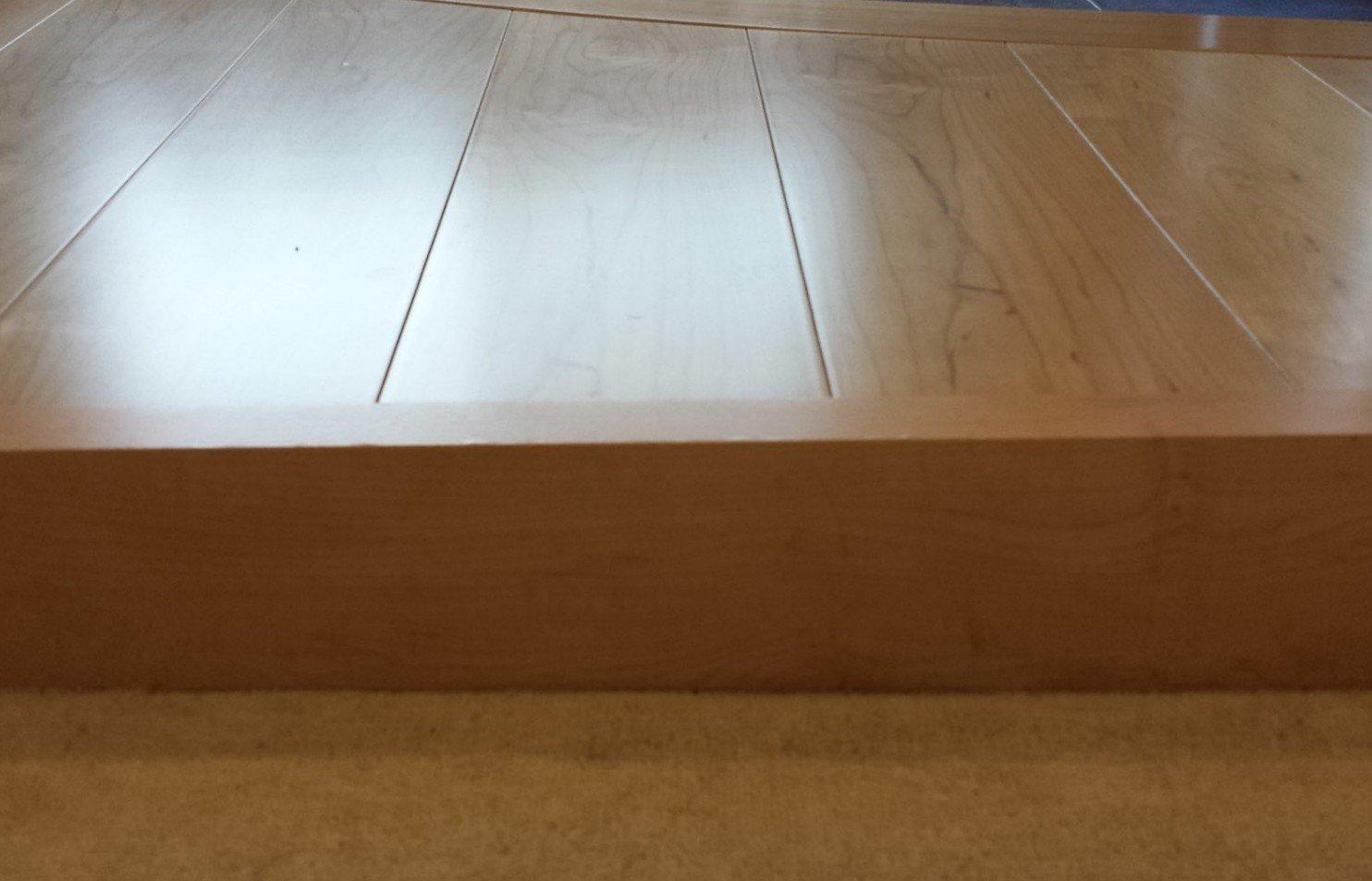 木製巾木(玄関ホールと階段)