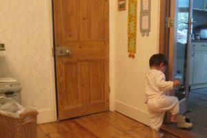無垢材のドア